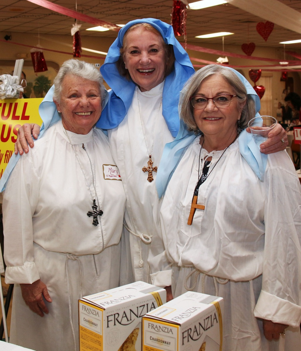 St.-Benedicts-own-Nunsense-at-the-Gala